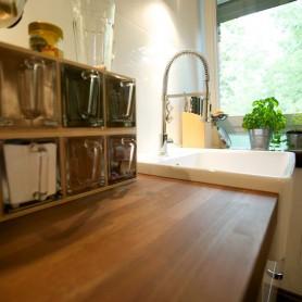 Arbeitsplatte: Akazie Italienische Design Küchen Bonn